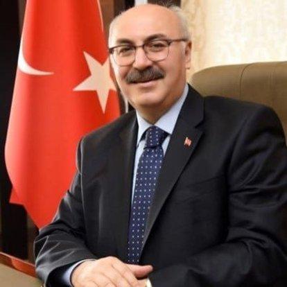 İzmir Valisi Köşger, Kovid-19 testinin pozitif çıktığını açıkladı