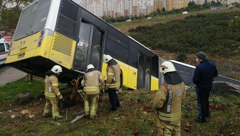 Son dakika haberi Başakşehir'de otobüs yoldan çıktı! Şoför hastaneye kaldırıldı