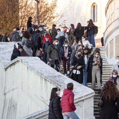 Son dakika: İtalya'da aktif koronavirüs vaka sayısı 800 bini aştı!