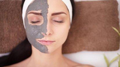 Kuru ciltler için kırışıklık maskesi uygulamaları