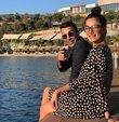 Oyuncu ve sunucu Emre Karayel, hafta sonu bir süredir aşk yaşadığı iç mimar Gizem Demirci ile evlenmişti. Nikah sonrası eşi ile soluğu Bodrum