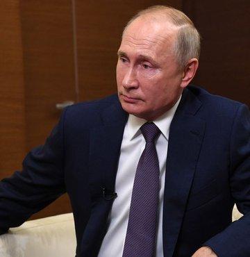 Putin, Rus aşısını yaptırmak için onay sertifikası bekliyor