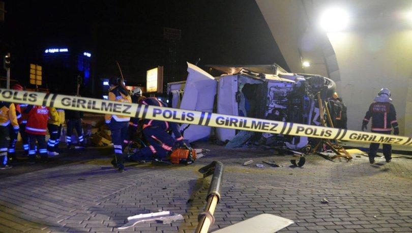 Ankara'da devrilen TIR'ın altında kalan sürücü öldü
