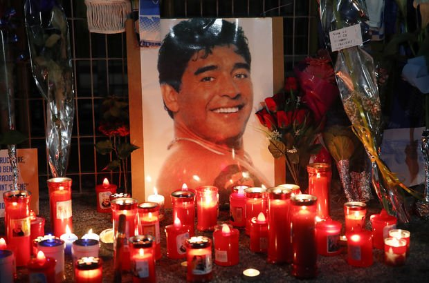 Maradona'nın doktoruna ihmal soruşturması: Evinde ve ofisinde arama yapıldı