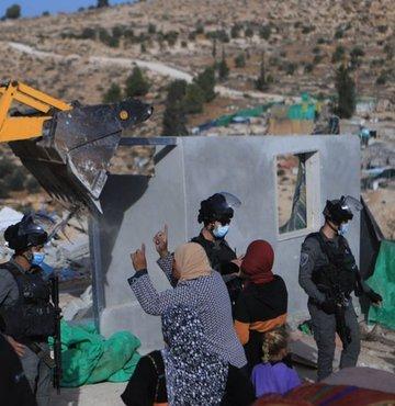 İsrail, Batı Şeria'da birçok ev ve yapıyı yıktı