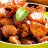 Eşsiz lezzet bademli kaymaklı tavuk yahnisi