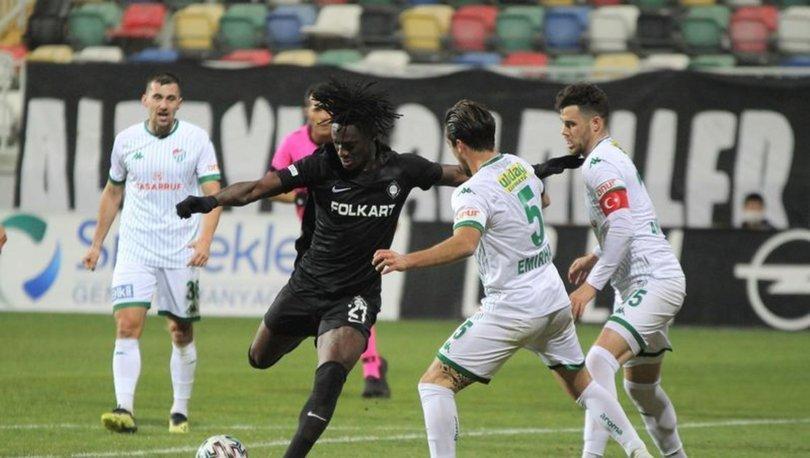 Bursaspor, ikinci yarılarla zirveden uzaklaştı