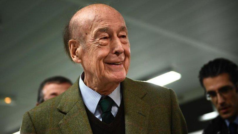 Eski Fransa Cumhurbaşkanı d'Estaing koronavirüsten hayatını kaybetti