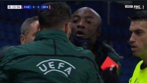 Başakşehir neden maçtan çekildi? PSG Başakşehir maçı neden durdu, olay ne? Maç devam edecek mi?