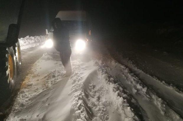 Karda mahsur kalan 5 araç kurtarıldı