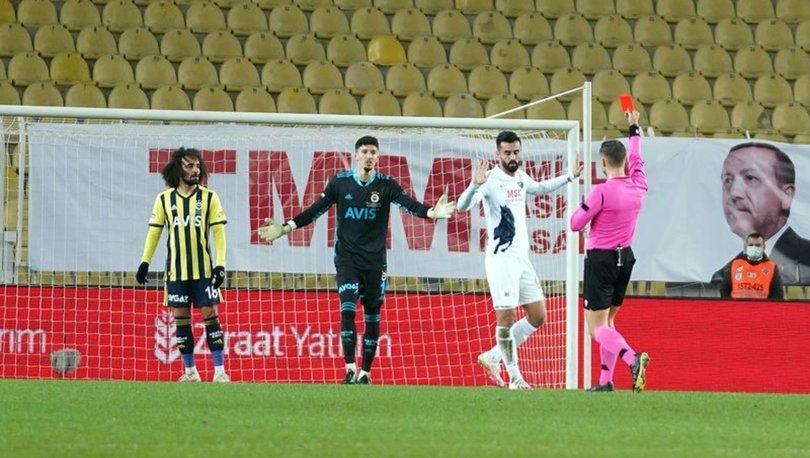 Fenerbahçe'ye kötü haber! Kırmızı kart gören Altay Bayındır, Gaziantep FK maçında cezalı