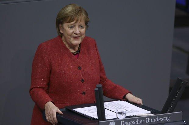 Merkel aşının Türk mucitleriyle görüştü: Gurur duyuyoruz!