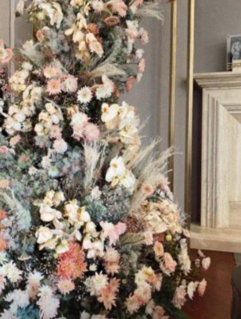 SON DAKİKA: Hacı Sabancı Nazlı Kayı nişanlandı! İşte fotoğraflar