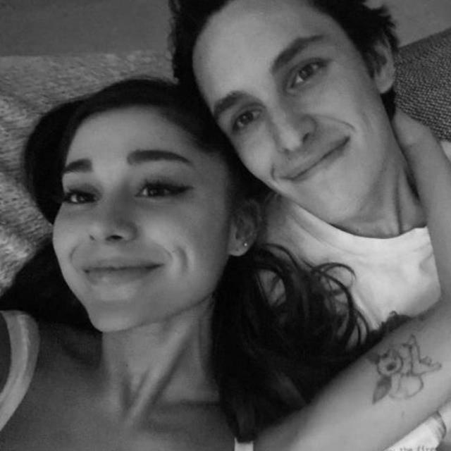Ariana Grande ile Dalton Gomez nişanlandı - Magazin haberleri