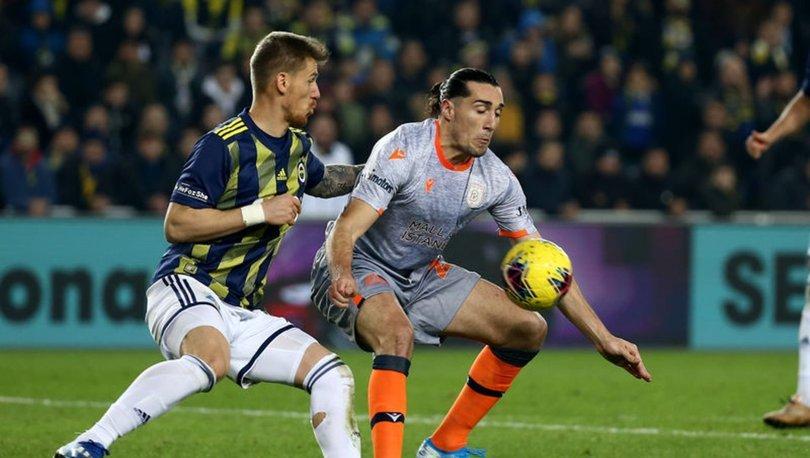 Fenerbahçe, sahasında Başakşehir'e üstün