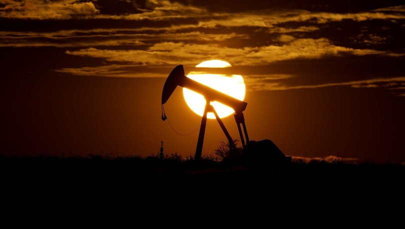 Brent petrolün varili 49,33 dolar