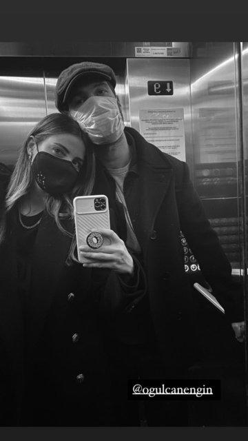 Ezgi Eyüboğlu-Oğulcan Engin çiftinden asansör pozu - Magazin haberleri