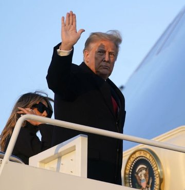 ABD Başkanı Donald Trump, Rusya soruşturmasında suçlu bulunan Paul Manafort ve Roger Stone ile damadı Jared Kushner