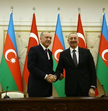 Son dakika... Cumhurbaşkanı Recep Tayyip Erdoğan, Azerbaycan Cumhurbaşkanı İlham Aliyev ile telefonda görüştü.