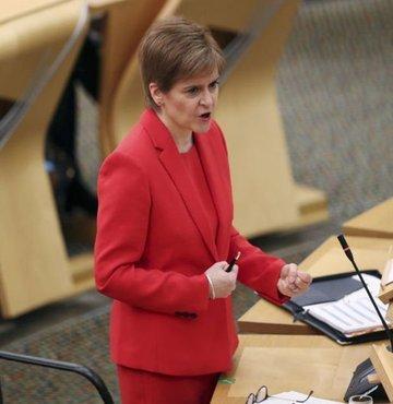 İskoçya Bölgesel Yönetimi Başbakanı Sturgeon, Birleşik Krallık ve Avrupa Birliği arasında varılan ticaret anlaşmasının Brexit