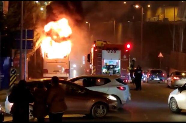 Park halindeki otobüs alev alev yandı!