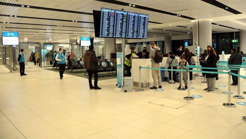 Bakan Koca: Yurtdışından gelen tüm yolculara son 72 saatte yapılmış PCR testi zorunluluğu getiriyoruz