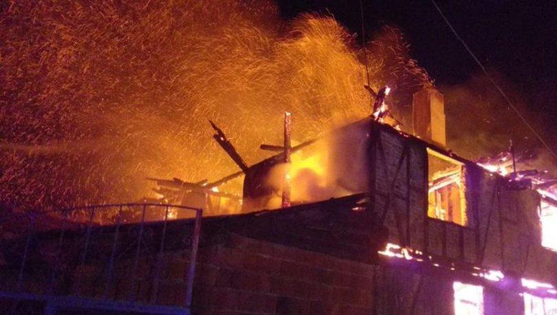 Bolu'da iki katlı evde yangın çıktı