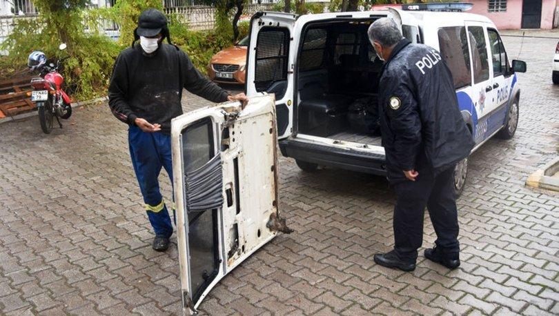 SON DAKİKA: Kamyonet kapısını çaldı! Şoke eden savunma!