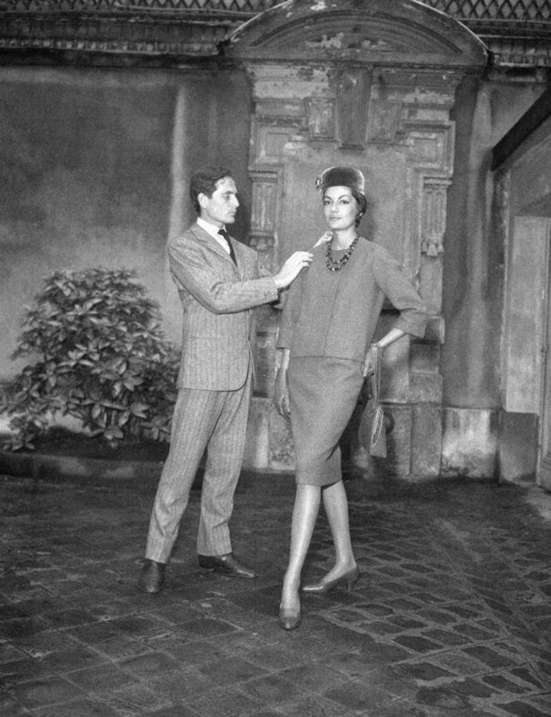 SON DAKİKA: Fransız modacı Pierre Cardin hayatını kaybetti! - Dünya  Haberleri