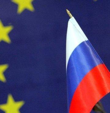 Rusya Dışişleri Bakanlığı, Avrupa Birliği'nin (AB) Rusya'ya yönelik aldığı yaptırım kararına karşılık bazı Alman güvenlik ve istihbarat teşkilatlarının üst düzey yöneticilerine ülkeye giriş yasağı koyulduğunu duyurdu