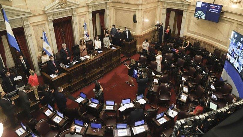 Arjantin'de kadın hareketinin zaferi: Kürtaj yasallaştı