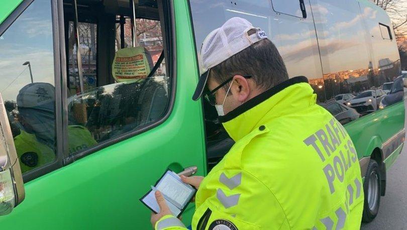 Direksiyon başındayken yemek yiyen minibüs şoförüne ceza