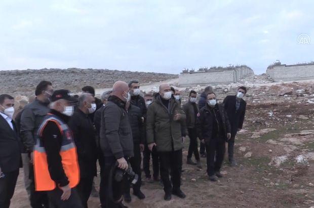 Bakan Soylu İdlib'de yapımı süren evleri inceledi