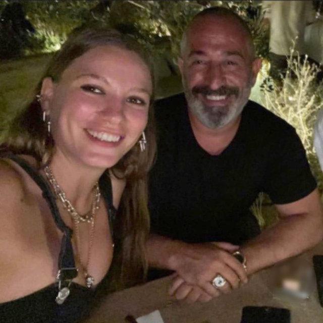 Cem Yılmaz eski sevgilisi Serenay Sarıkaya'yı takibi bıraktı!- Magazin haberleri