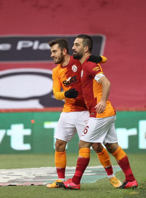 Galatasaray'da mecburi değişim! Antalyaspor maçının 11'i...