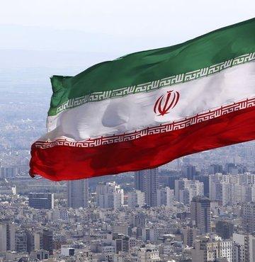 İran, ABD saldırısında öldürülen Kasım Süleymani suikastıyla bağlantılı ABD Başkanı Donald Trump dahil 48 Amerikalı yetkili hakkında Interpol