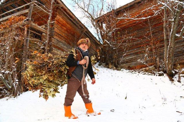 2 bin rakımlı köyün halkı kışı böyle geçiriyor