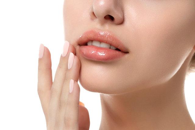 Ev yapımı dudak peelingi nasıl yapılır? Dudak dolgunlaştırıcı peeling tarifi!
