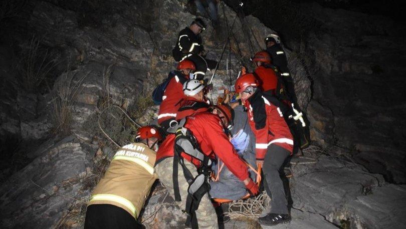 Bodrum'da dağ yürüyüşünde kayalıklardan düşen iş insanı 8 saatte kurtarıldı