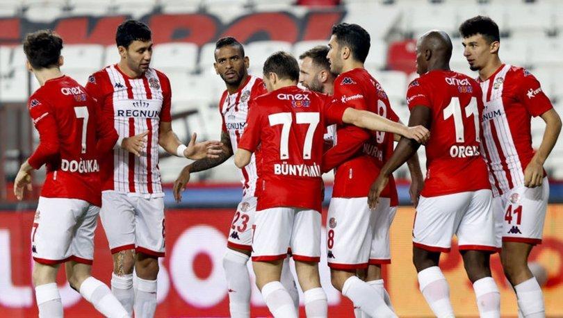 Antalyaspor: 3 - Fatih Karagümrük: 1 (MAÇ SONUCU)