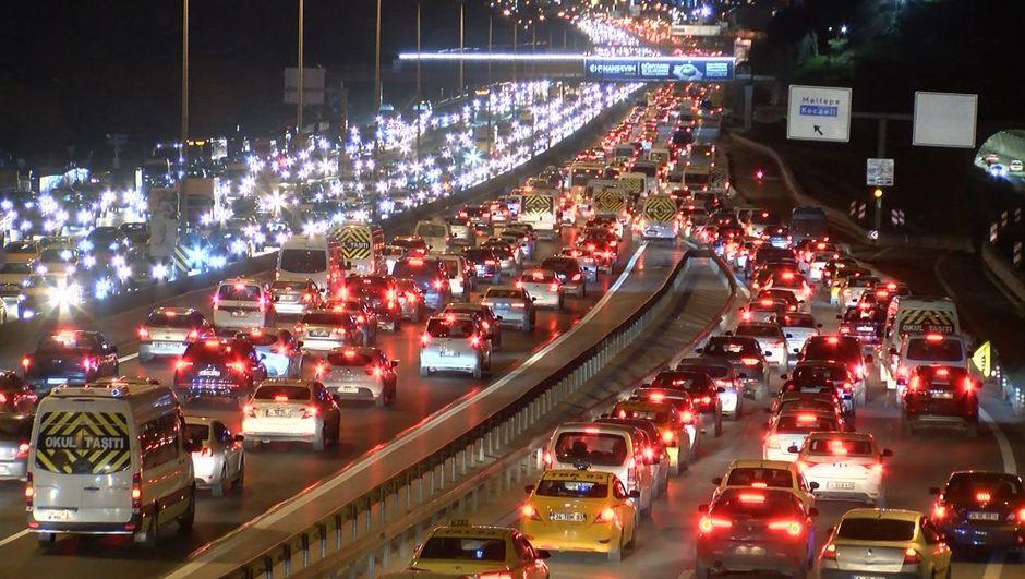 İstanbul'un çile saatleri!