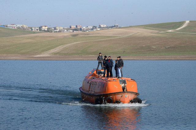 Denizsiz Diyarbakır'da denizaltı ile ulaşım! - Haberler