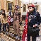 BOYNUZLU 'ŞAMAN': ABD'DE SENATO BASKININA ÖNCÜLÜK EDEN KİŞİNİN KİMLİĞİ ORTAYA ÇIKTI!
