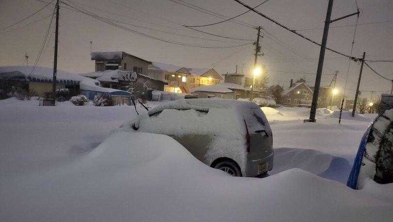 SON DAKİKA: Japonya'da kar ve fırtına hayatı felç etti: 13 ölü! - Haberler