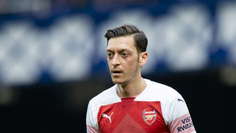 Mesut Özil'in menajerinden flaş açıklama!