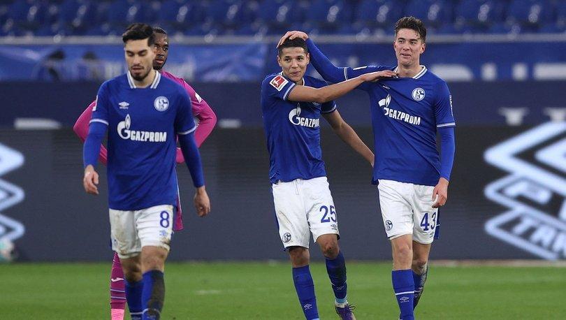 Schalke 30 maç sonra kazandı!