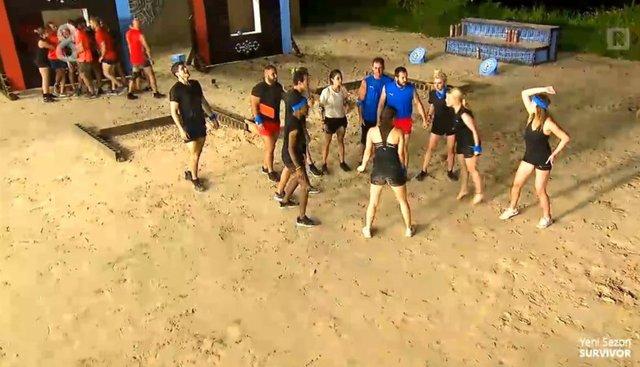 Survivor 2021 başladı! Survivor 2021'de ödül oyununu hangi takım kazandı?