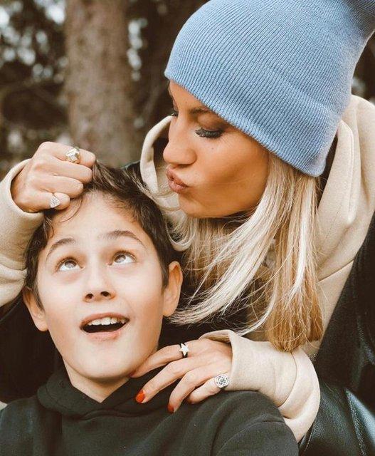 Çağla Şıkel ile Kuzey Altuğ'dan anne-oğul pozu - Magazin haberleri