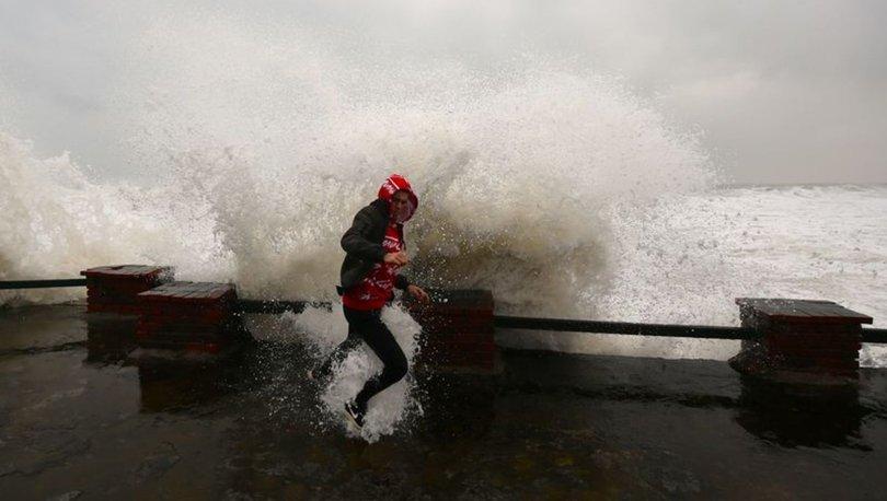 SON DAKİKA HAVA: 5 bölgede sağanak, 3 bölgede fırtına!