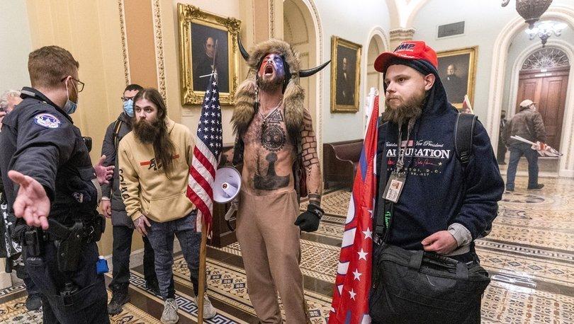 SON DAKİKA: ABD'de Kongre baskınına öncülük eden boynuzlu şaman gözaltına alındı!